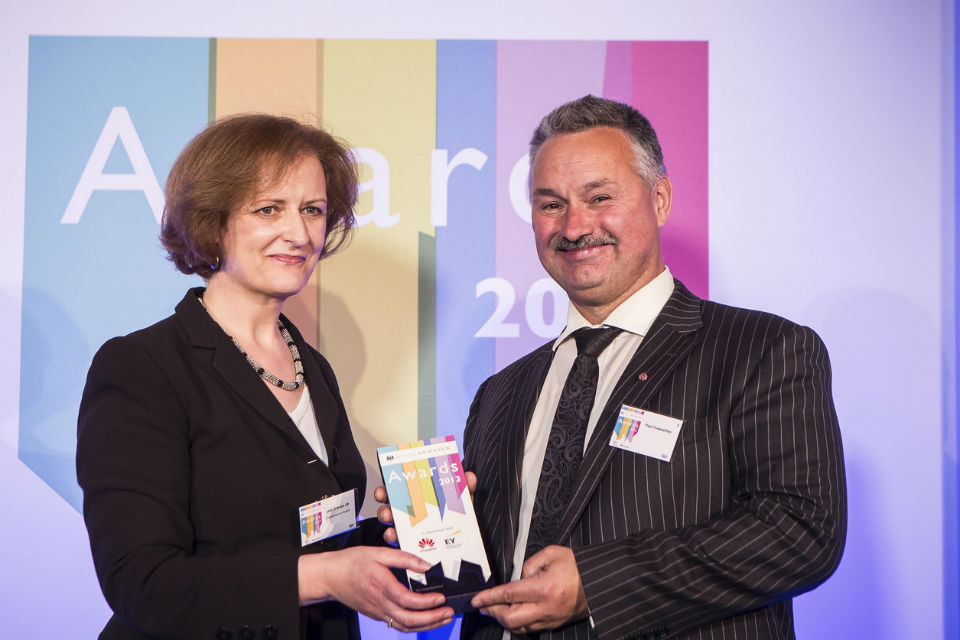 Una O'Brien presenting the Leadership award to Paul Foweather, Governor of Full Sutton Prison at the 2013 Civil Service Awards