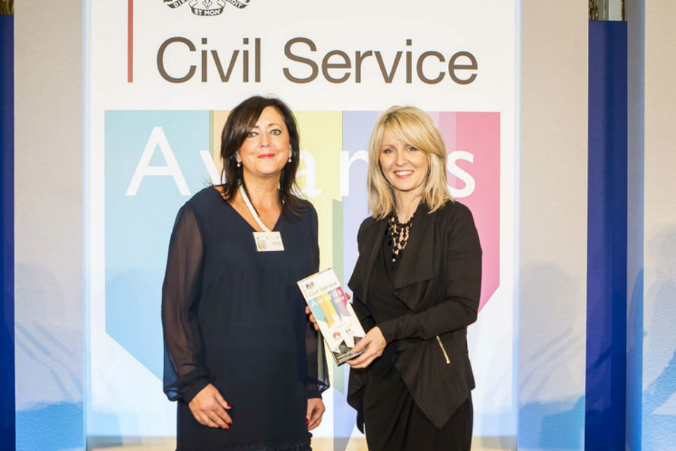 Dr Siriol David receiving the Professional of the Year Award at the Civil Service Awards 2014
