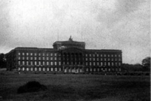 Black and white image of large building
