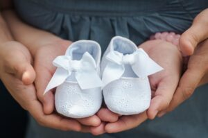 Image of empty baby shoes to reflect baby loss